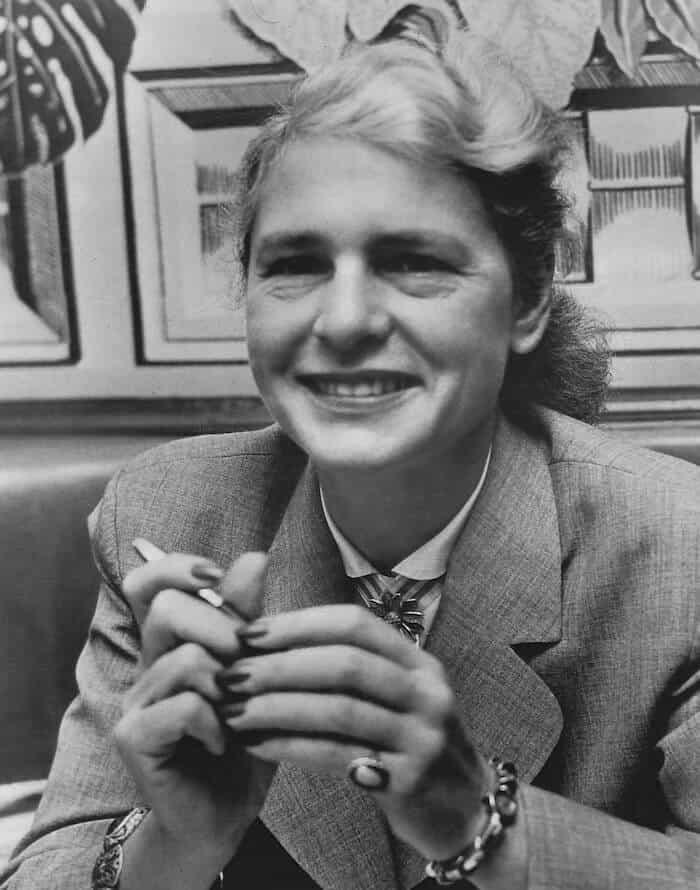 Grayscale portrait of Margaret Bourke-White.