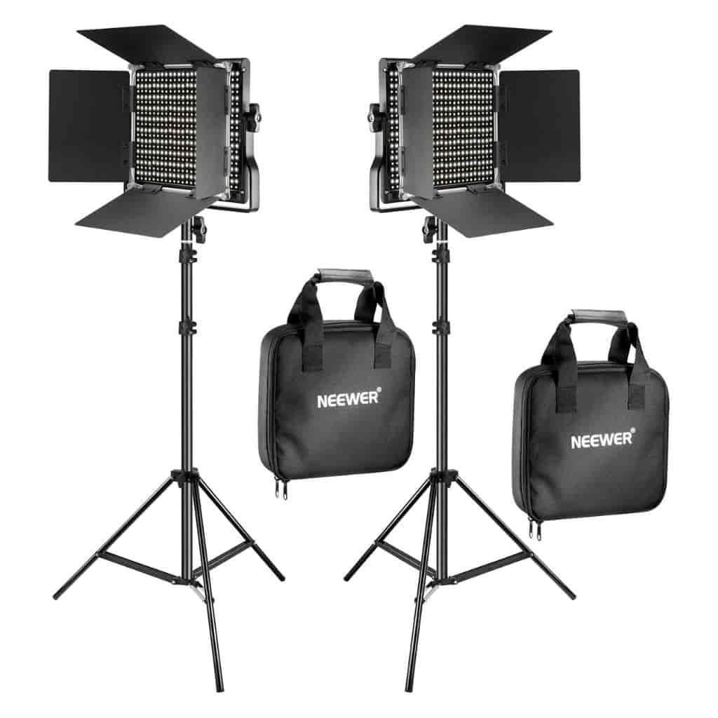 Neewer photography two-piece light kit.
